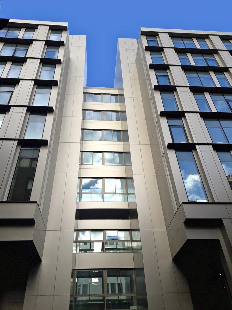 Rénovation d'un bâtiment de bureaux «WEST PARK»